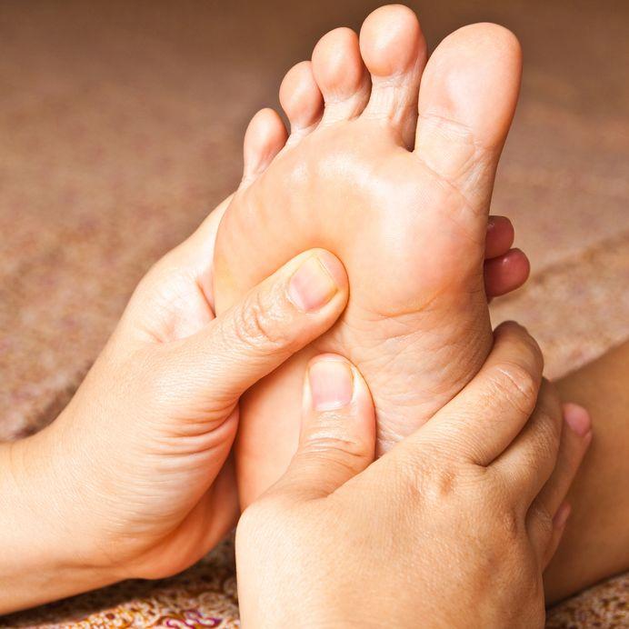 réflexologie-plantaire-massage-doigts