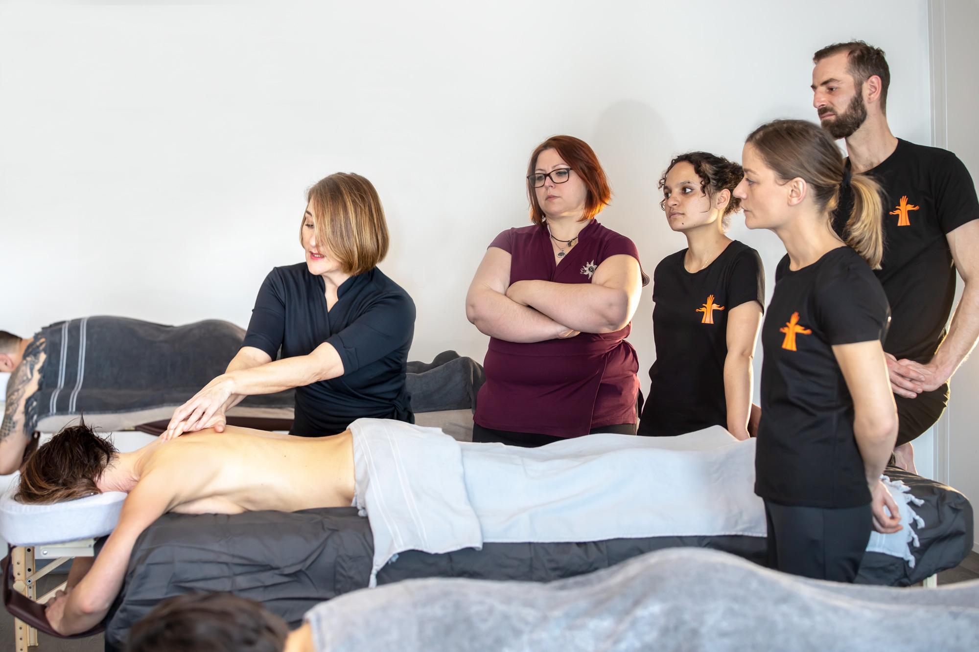 Procéder à une reconversion professionnelle en massage bien-être