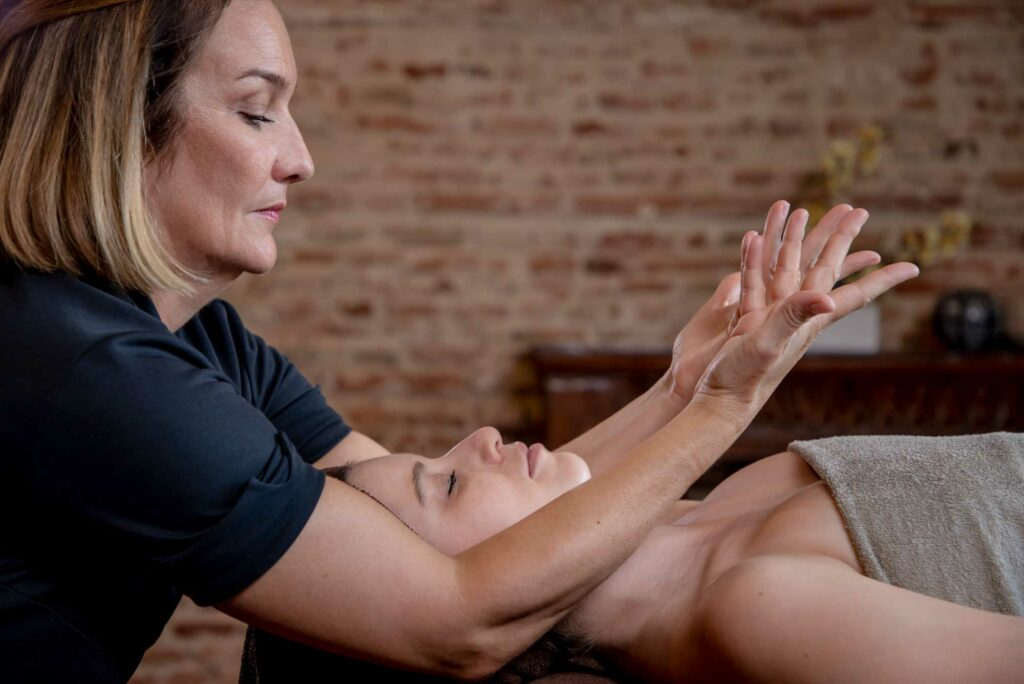 La tenue du Praticien en Massage Bien-Etre