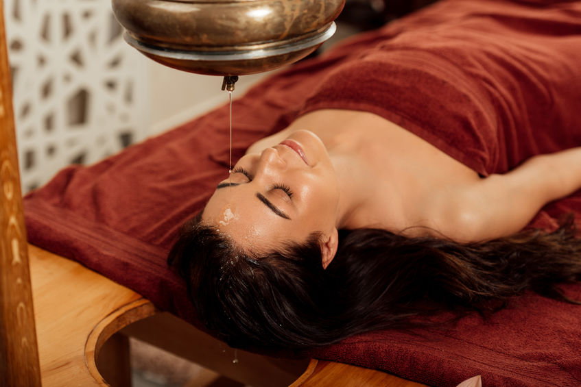 Pourquoi vous devez maîtriser le massage du cuir chevelu