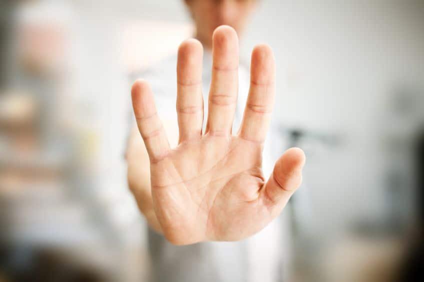 Comment éviter et gérer les clients malveillants dans le massage bien-être